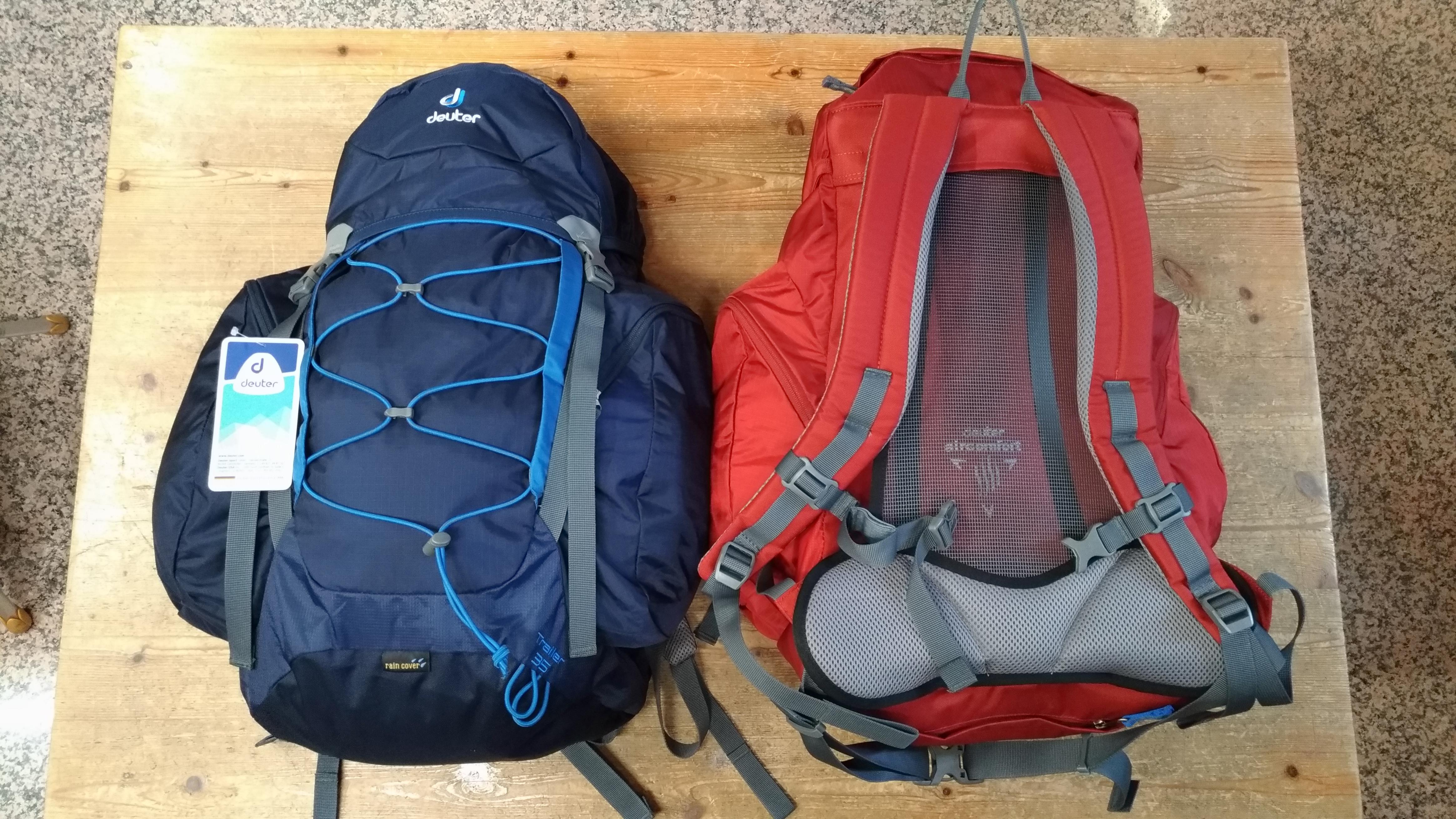 Zaini DEUTER escursionismo mod. Trailer 35 litri con schienale in rete e coprizaino.